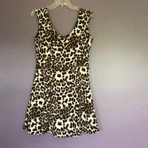 Leopard print short dress